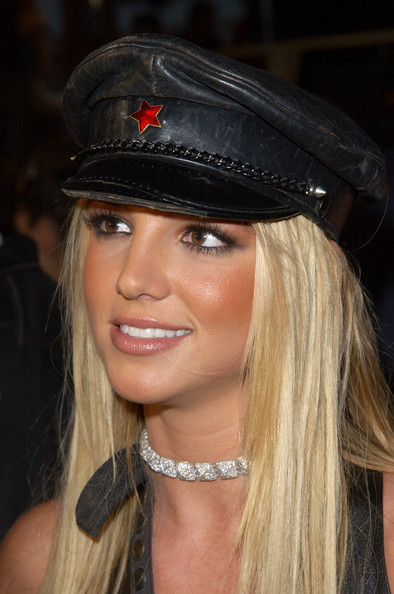 2002: Britney Spears Allegedly Cheats On Justin Timberlake