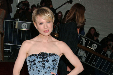 Reverse Bob Haircut on Renee Zellweger