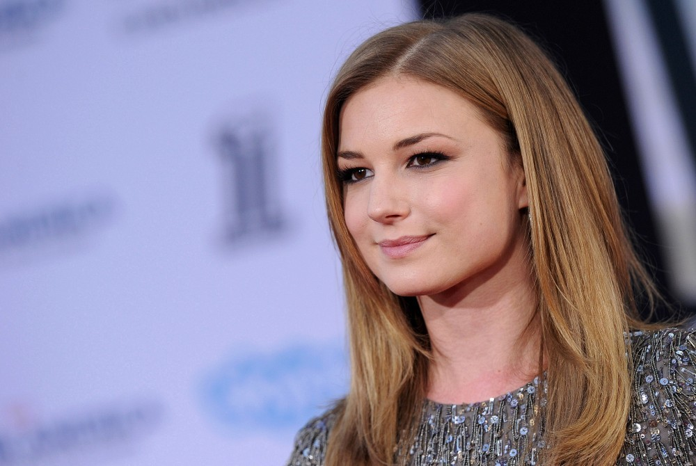 Get The Smooth Strands You Always Wanted Just Like Emily Vancamp