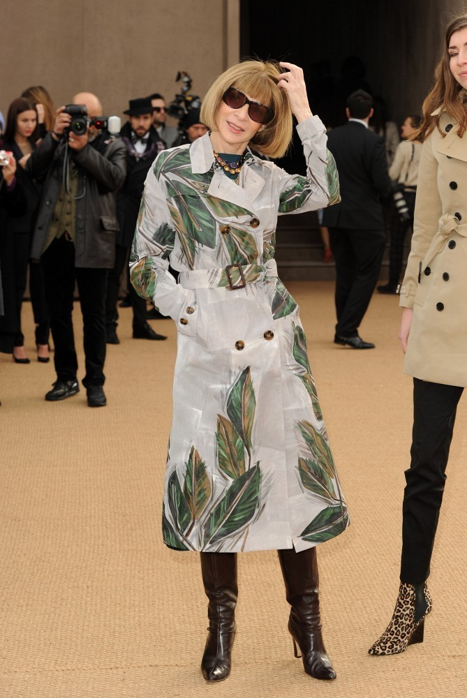Anna Wintour At Burberry The Most Standout Street Style