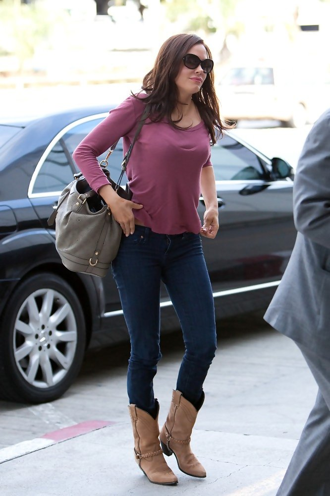Popular  Rodriguez Made Her Look Slightly Casual With A Pair Of Cowboy Boots