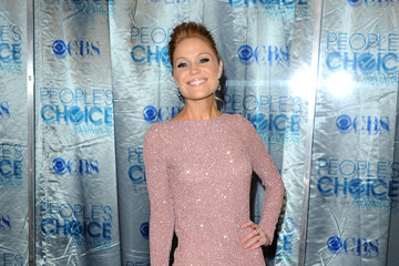 Virginia Williams Is Hollywood Chic in Oday Shakar at the People's Choice Awards