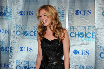 Cat Deeley Nails Hollywood Chic With Christian Louboutin Pumps at the 2011 People's Choice Awards
