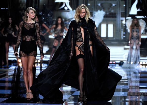 Karlie Kloss Your Ultimate Guide To Taylor Swift 39 S Bffs Livingly