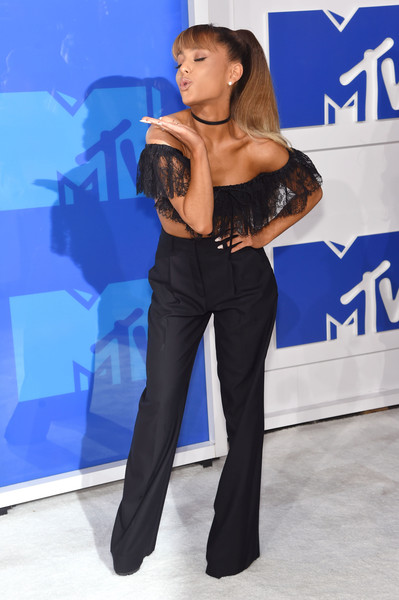 In A Flirty Alexander Wang Ensemble At The 2016 MTV Video Music Awards
