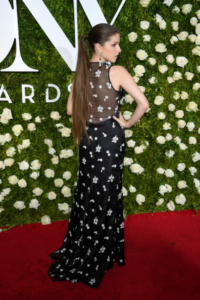 Anna Kendrick's Butt-Length Ponytail at the Tony Awards