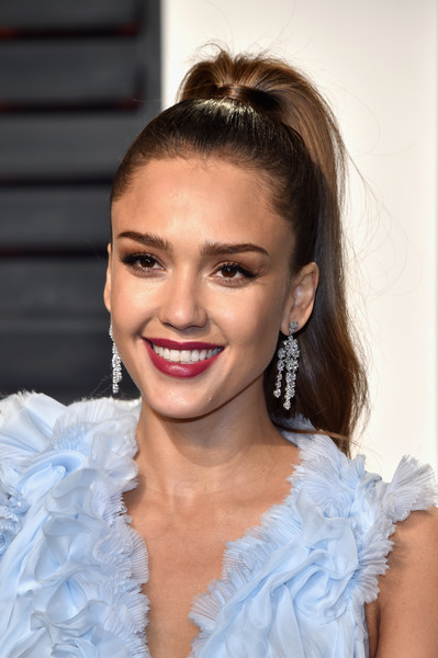 Jessica Alba's High Ponytail at the Vanity Fair Oscar Party