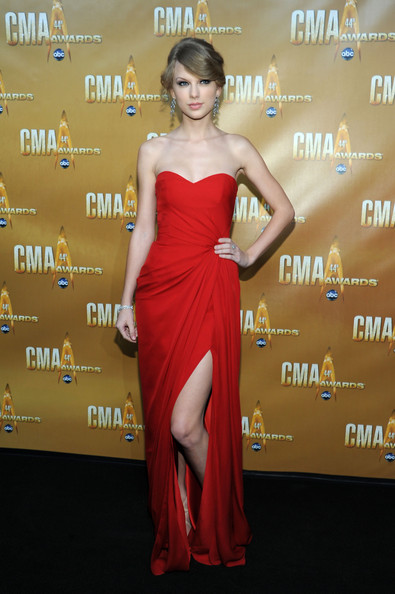 Monique Lhuillier at the 2010 CMA Awards