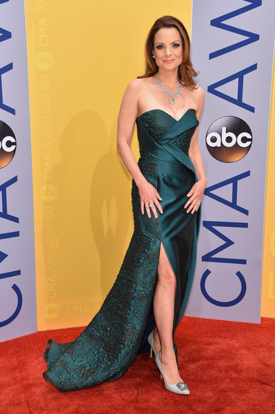 Kimberly Williams-Paisley in an Emerald Gown