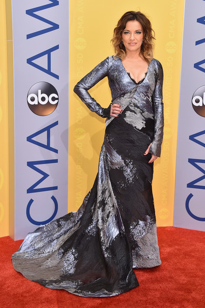Martina McBride in a Black and Silver Long Sleeve Gown