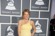 Singer Jewel arrives at The 53rd Annual GRAMMY Awards held at Staples Center on February 13, 2011 in Los Angeles, California.