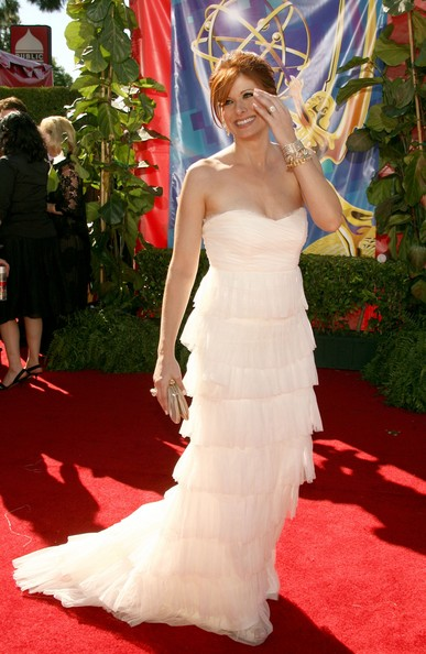 Debra Messing 2006 Emmy Awards