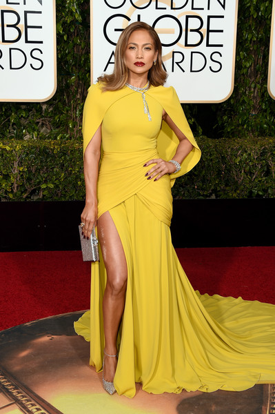 Jennifer Lopez in Giambattista Valli at the 2016 Golden Globes