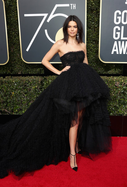Kendall Jenner in Giambattista Valli Couture at the 2018 Golden Globes
