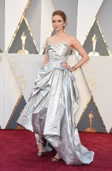 Lily Cole at the 2016 Oscars