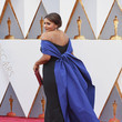 Mindy Kaling at the 2016 Oscars