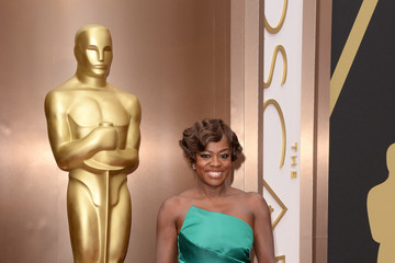 Viola Davis Goes Green at the Academy Awards