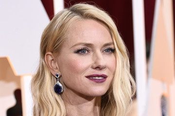 Naomi Watts Wears Armani Privé to the 2015 Oscars