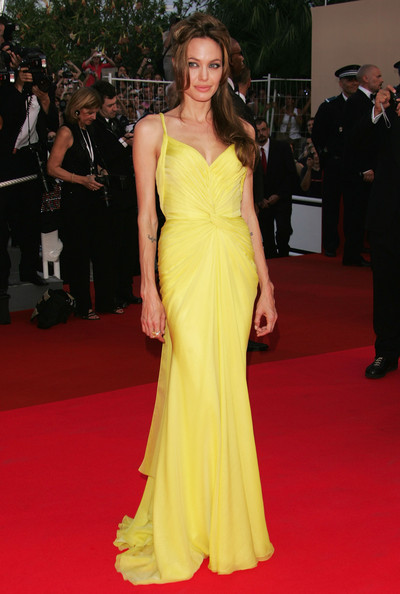 Turning Heads In Yellow At The 'Ocean's Thirteen' French Premiere