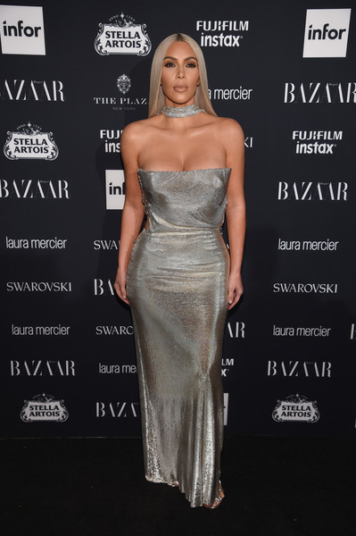 Vintage Versace Chainmail At The Harper's Bazaar Icons Event