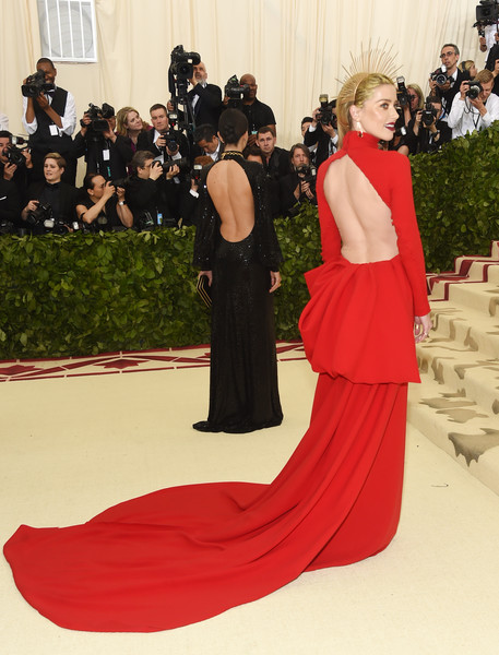 Amber Heard In Carolina Herrera At The Met Gala