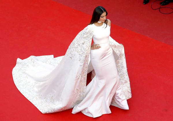 Sonam Kapoor in an Embroidered White Cape Dress, 2016