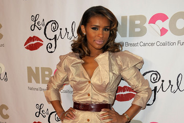 Melody Thornton's Elegant Medium Wavy Cut