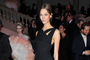 Karlie Kloss' Little Black Dress