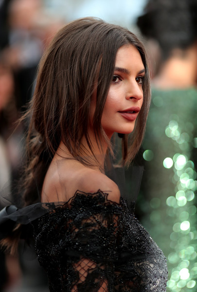 Emily Ratajkowski's Loose Braid and Face-Framing Layers at the Cannes Film Festival