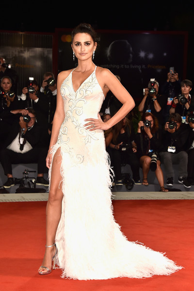 Penelope Cruz Now Red Carpet Flashback Then Amp Now