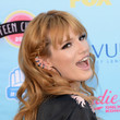 Bella Thorne's Sneak-Attack Side-Braid