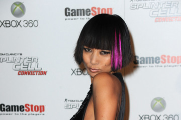 Magnificent Short Hairstyles With Blunt Bangs Livingly Short Hairstyles Gunalazisus