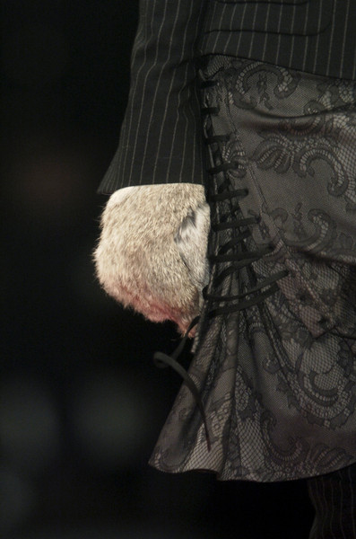 A.F. Vandevorst at Paris Fall 2006 (Details)