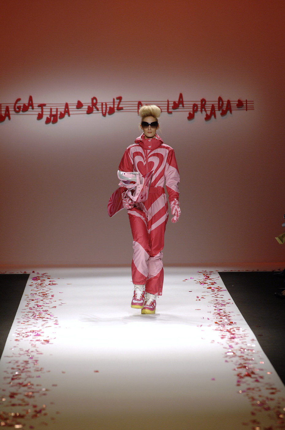 agatha ruiz de la prada at milan fashion week fall 2007 livingly. Black Bedroom Furniture Sets. Home Design Ideas
