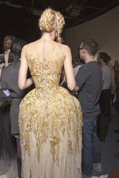 Alexander McQueen at Paris Spring 2011 (Backstage)