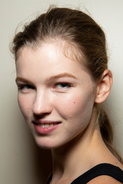 Altuzarra at Paris Spring 2020 (Backstage) [spring 2020 fashion show,face,hair,eyebrow,hairstyle,lip,chin,forehead,cheek,skin,nose,altuzarra,hairstyle,eyebrow,lip,forehead,skin,paris,paris fashion week,fashion show,spring 2020 fashion show,altuzarra,fashion show,paris,ready-to-wear,2020,model,runway]