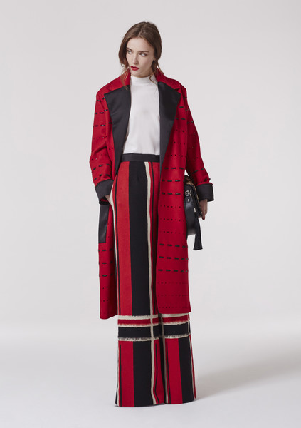 Amanda Wakeley Prerss Office at London Fall 2017 [clothing,outerwear,coat,overcoat,fashion model,red,fashion,maroon,sleeve,duster,outerwear,amanda wakeley,fashion,fashion week,coat,fashion model,prerss,london fashion week,fashion show,paris fashion week,amanda wakeley,london fashion week,paris fashion week,fashion,fashion show,fashion week,ready-to-wear,runway,autumn,fashion design]