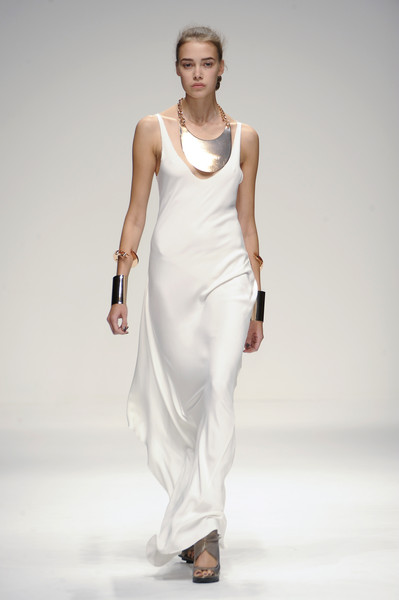 Amanda Wakeley at London Spring 2011