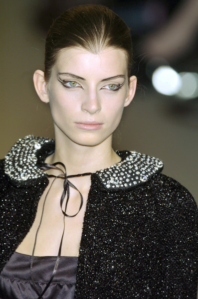Anna Molinari at Milan Fall 2005 (Details)