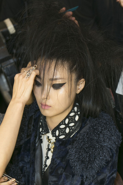 Anna Sui at New York Fall 2013 (Backstage)