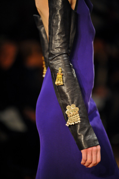 Atelier Gustavo Lins at Couture Spring 2013 (Details)