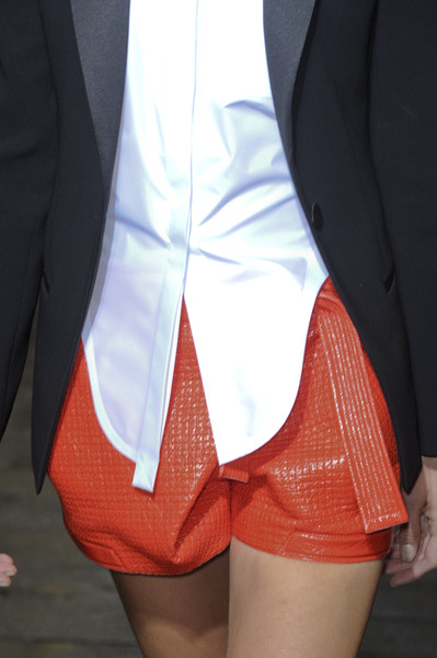 Balenciaga at Paris Spring 2011 (Details)