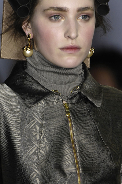 Basso & Brooke at London Fall 2009 (Details)