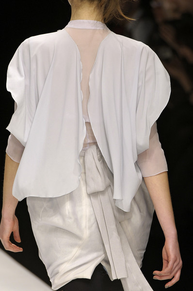 Bora Aksu at London Fall 2010 (Details)