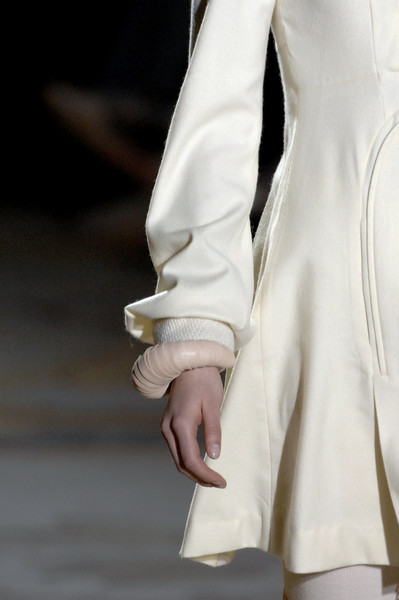 Bruno Pieters at Paris Fall 2007 (Details)
