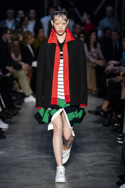 Burberry Prorsum at London Fall 2019 [fashion,fashion model,runway,clothing,fashion show,outerwear,public event,event,academic dress,fashion design,outerwear,dress,fashion,runway,fashion week,model,burberry prorsum,london fashion week,event,fashion show,london fashion week,burberry,fashion show,fashion,fashion week,runway,collecting,model,ready-to-wear]