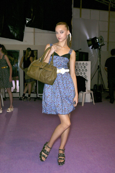 Cacharel at Paris Spring 2007 (Backstage)
