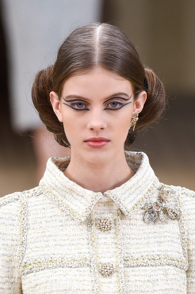 Chanel Clp Bis at Couture Spring 2016 (Details)
