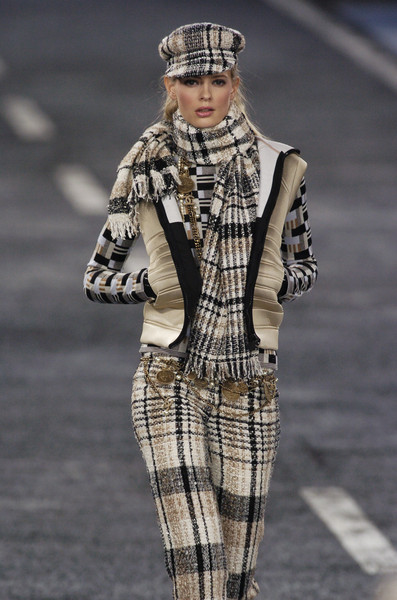 Chanel at Paris Fall 2004