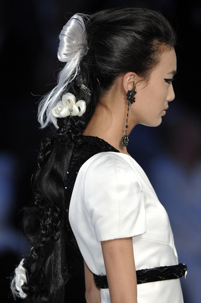 Chanel at Couture Fall 2009 (Details)